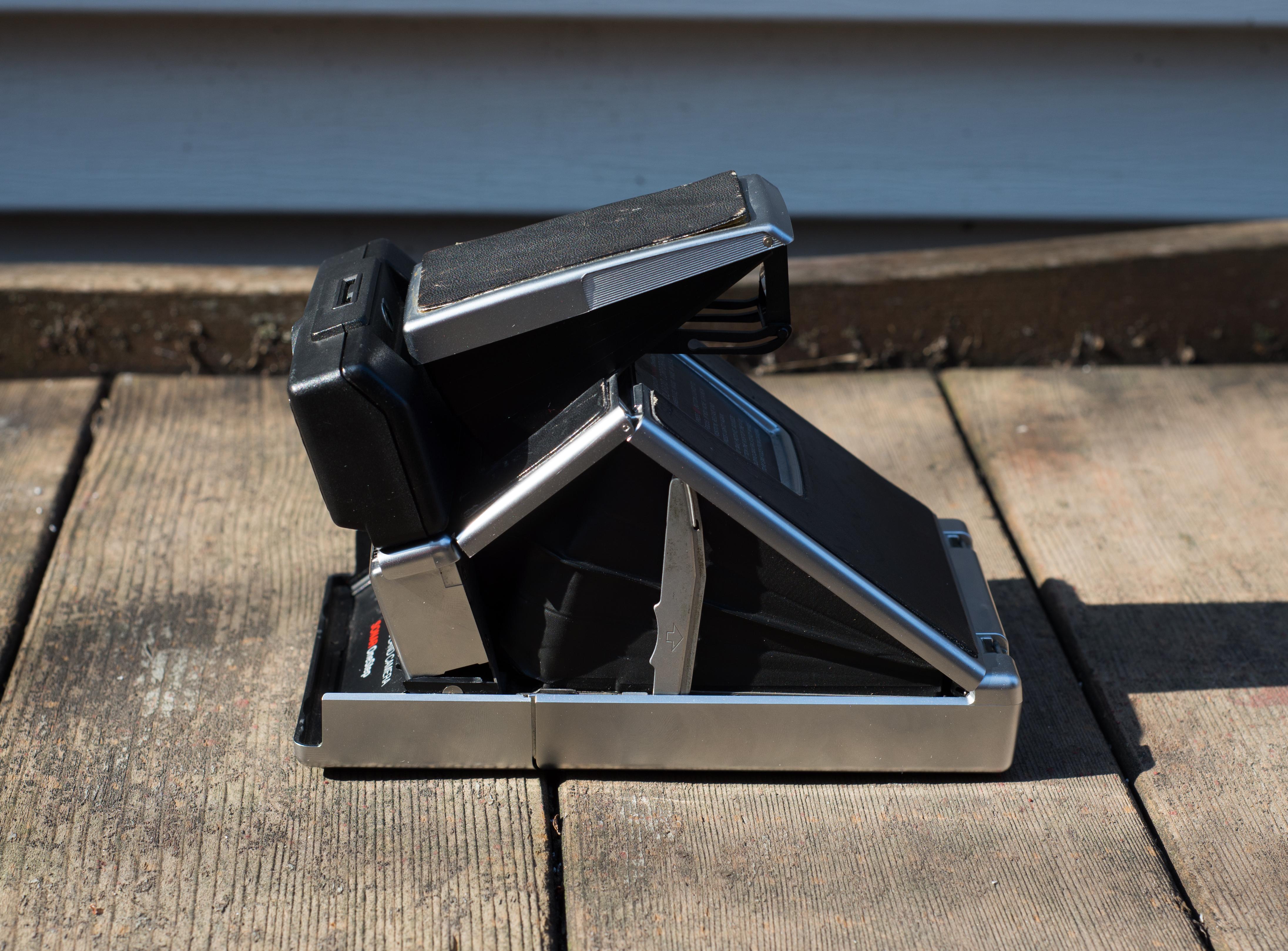 How To Use Polaroid Snap >> Polaroid SX-70 Sonar Land Camera Review