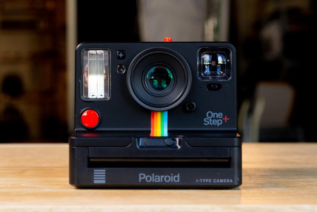 Najnovejši FujiFilm polaroidni fotoaprat One Step+